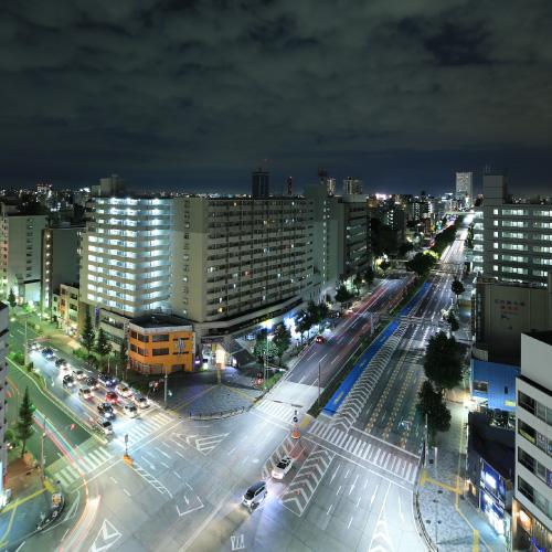 高層階のバルコニーより夜景を撮影。